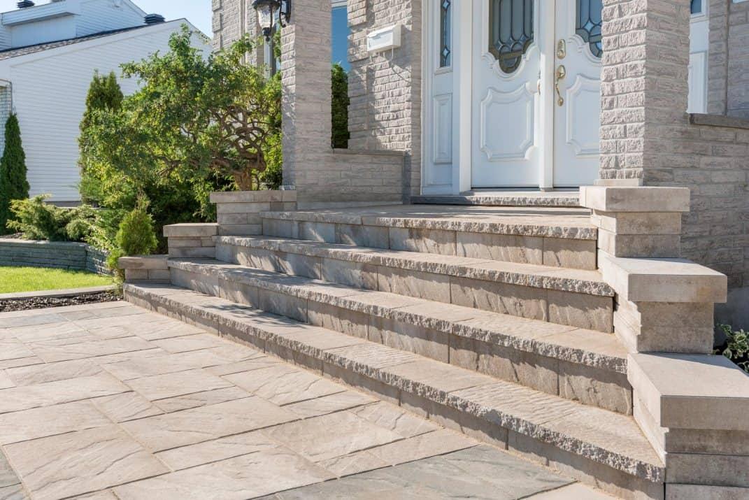 escaliers de pavés est un project de aménagement paysager